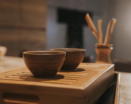 Herbronnen bij een kopje thee